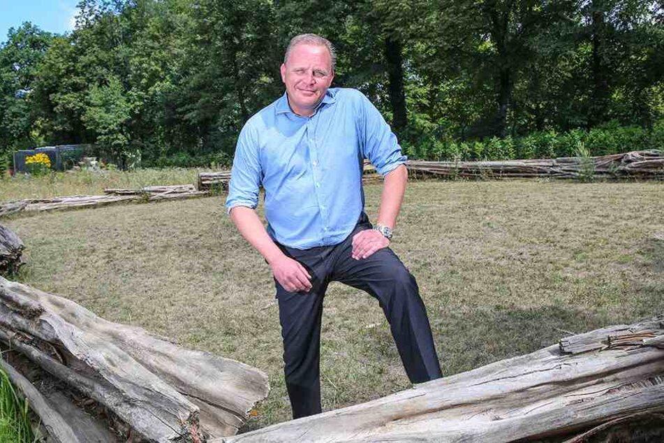 Zoodirektor Karl-Heinz Ukena (47) hofft, dass der Neubau der Orang-Utan-Anlage doch noch im Haushalt berücksichtigt wird.