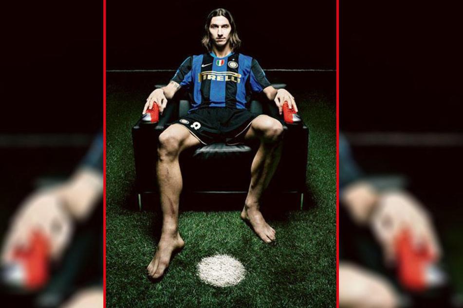Ein berühmtes Foto: Fußballstar Zlatan Ibrahimovic in provozierender Pose, fotografiert von Maurizio Camagna.