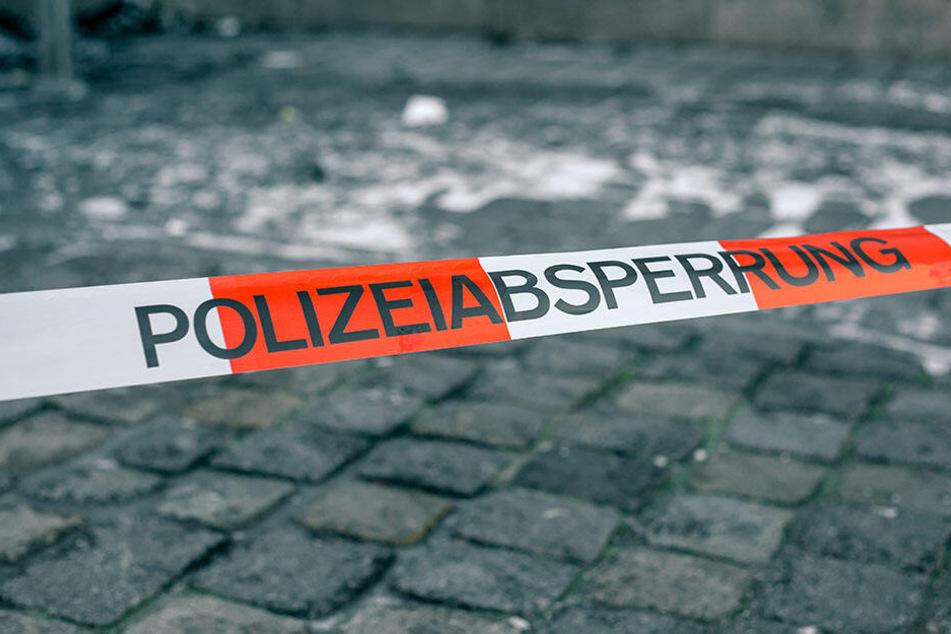 In Düsseldorf wurde am Mittwochmittag ein 74-jähriger Mann angefahren. (Symbolbild)