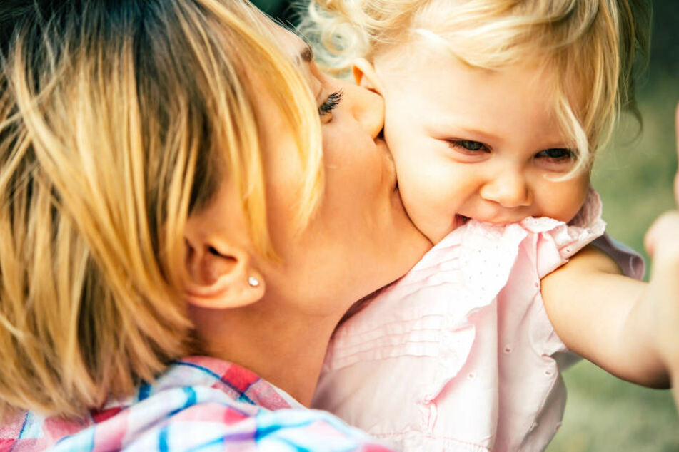 Oxytocin beeinflusst, wie sensitiv Erwachsene auf das Kindchenschema reagieren.