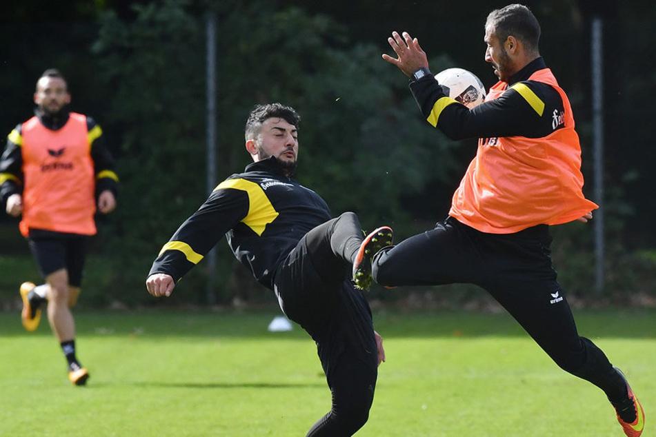 Dynamos Supertechniker im Zweikampf: Aias Aosman (l.) und Akaki Gogia wollen am Samstag gemeinsam gegen Stuttgart glänzen.