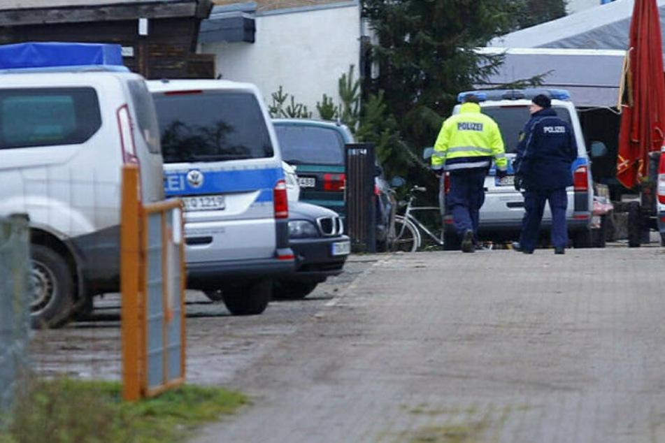 Am 22. Dezember starben bei einer privaten Feier in Gerichshain bei Leipzig zwei Männer. Laut vorläufigem Obduktionsbericht wurden sie durch die Zugabe von Trockeneis in einen Pool bewusstlos und ertranken daraufhin.