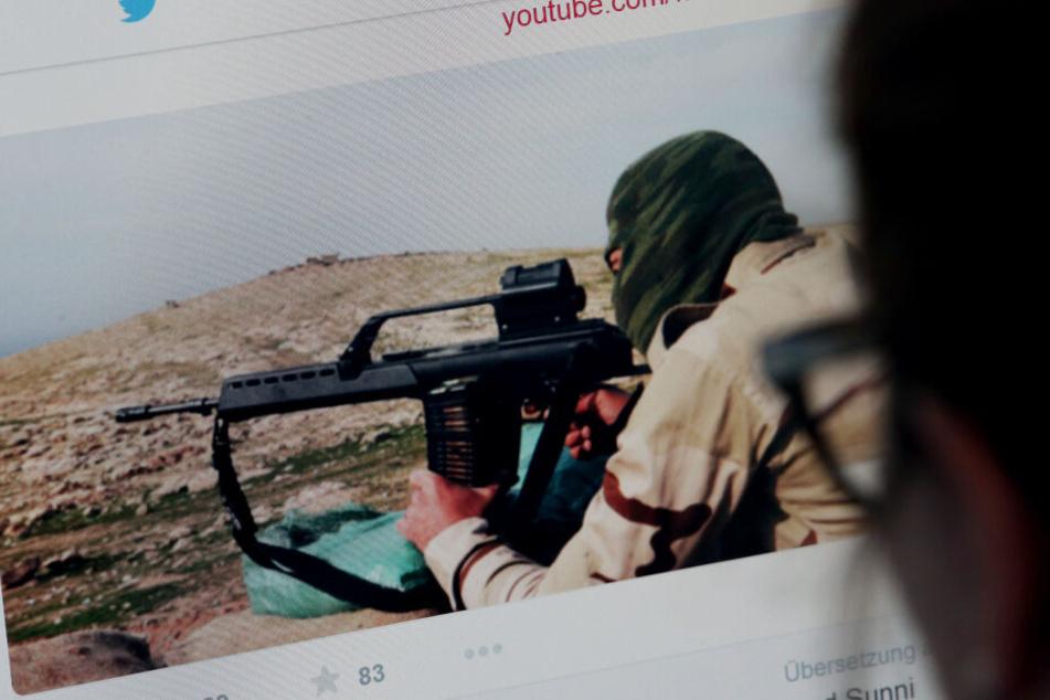 Auf seinem Facebook-Profil soll der Mann IS-Propaganda geteilt haben. (Symbolbild)