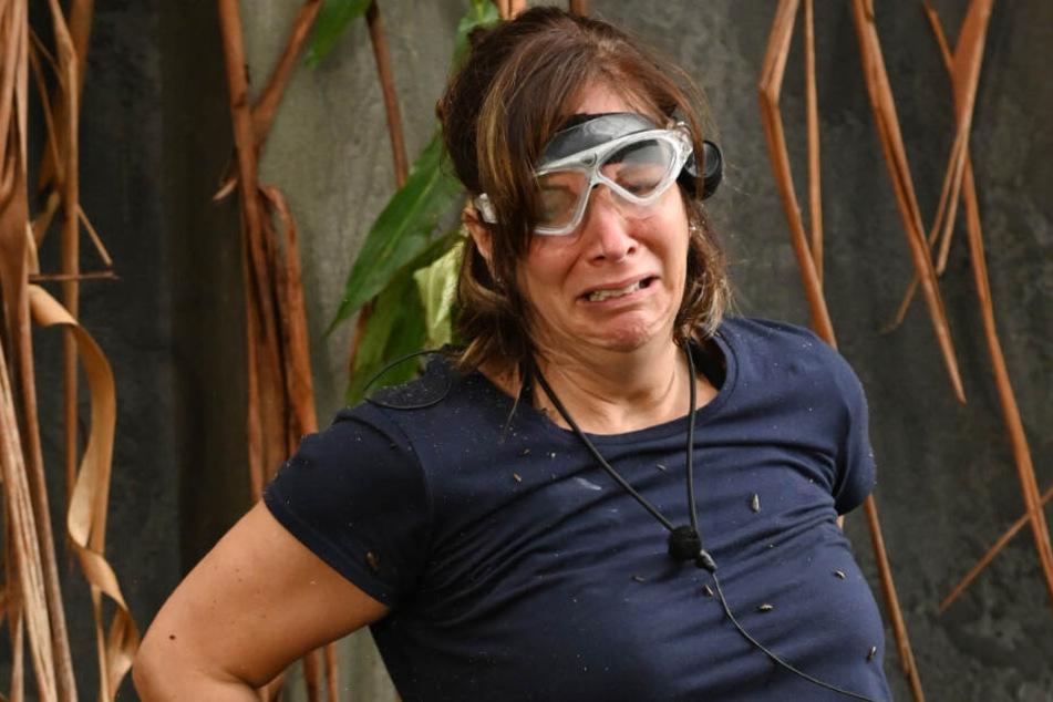 """Wenn sie nicht gerade motzt, heult sie: Danni Büchner bricht die Dschungelprüfung """"Ge-Fahrstuhl""""ab. Null Sterne!"""