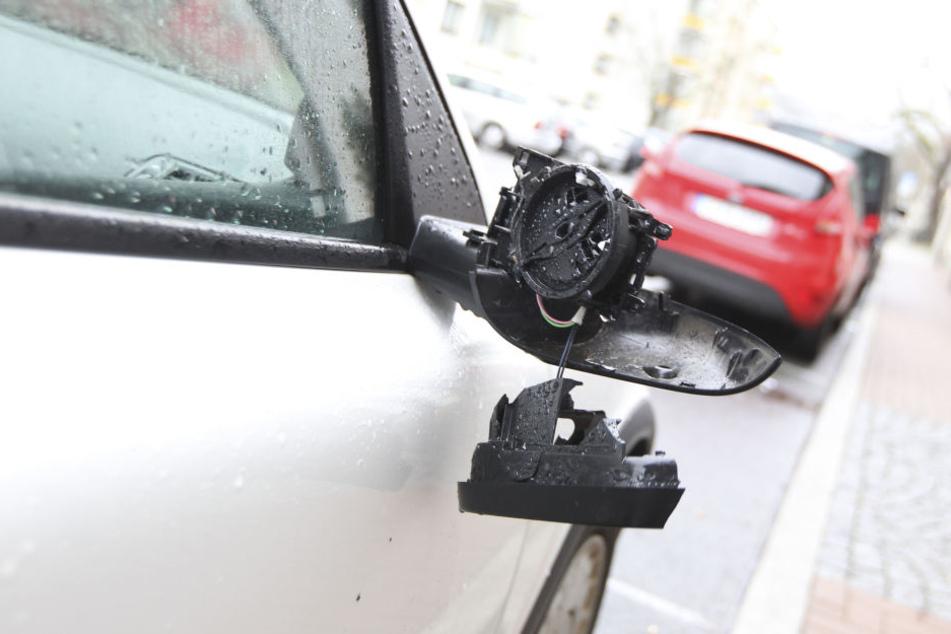 Ein 22-Jähriger zerstörte in der Nacht 27 Autospiegel am Rande des Plauener Stadtzentrums. (Symbolbild).