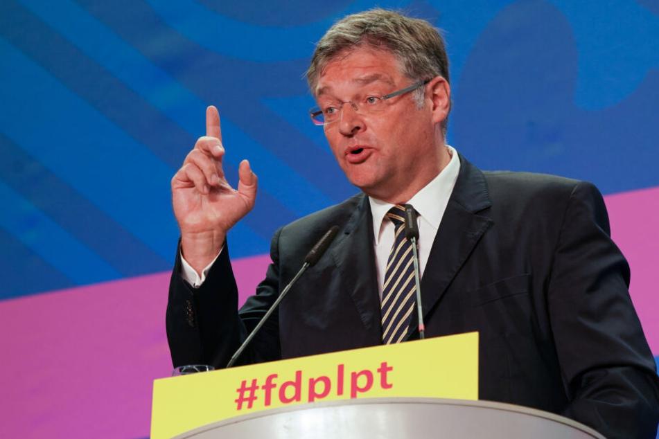 Bei seiner Rücktrittsrede rechnete Sachsens FDP-Chef Holger Zastrow mit seiner Partei ab.