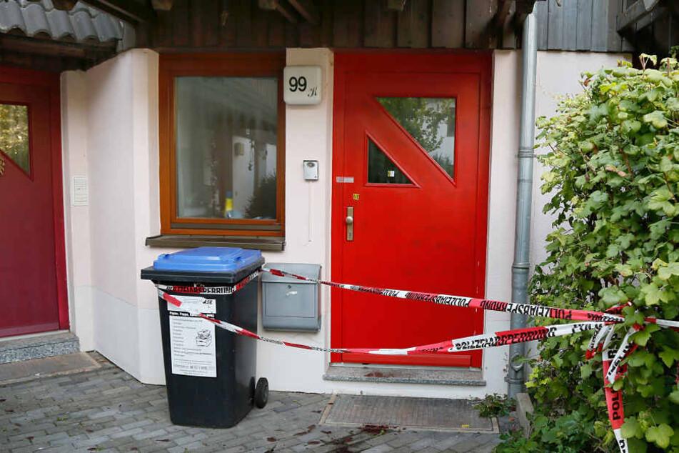 Hinter dieser Tür in einem Haus in Ebersdorf geschah die blutige Tat.