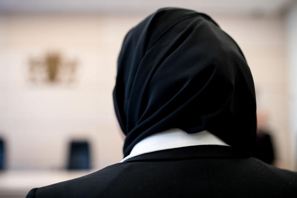 Die Stadt Pforzheim argumentiert, dass Jahrzehnten so verfahren würde, dass keine Kopfbedeckung erlaubt sei. Sie weißt jegliche Diskriminierung von sich. (Symbolbild)