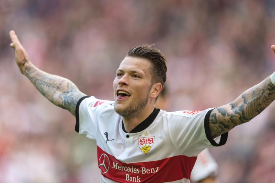 Stuttgarts Daniel Ginczek jubelt nach seinem Tor zum 1:1.