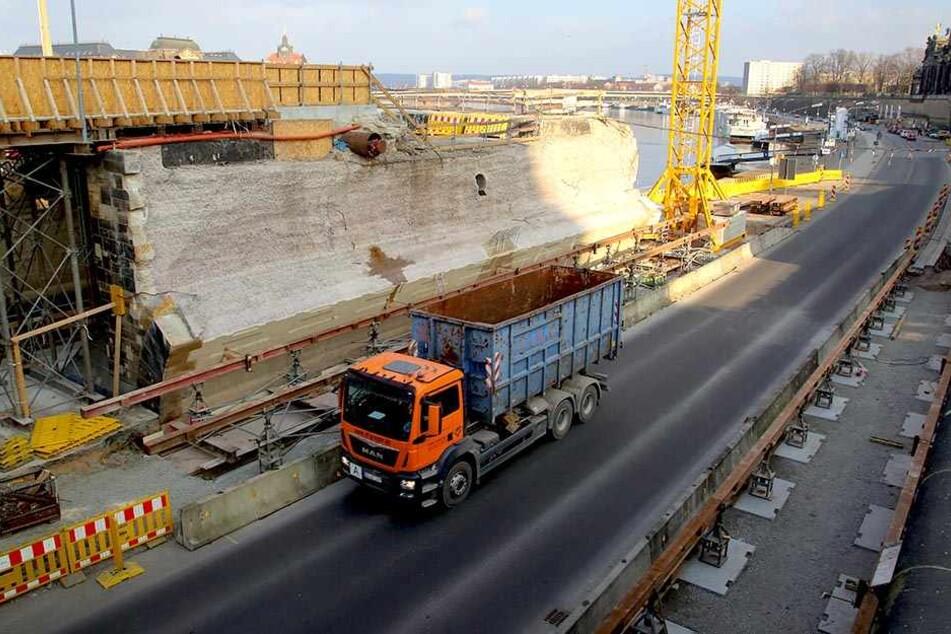 Wegen Augustusbrücke: Terrassenufer mal wieder dicht