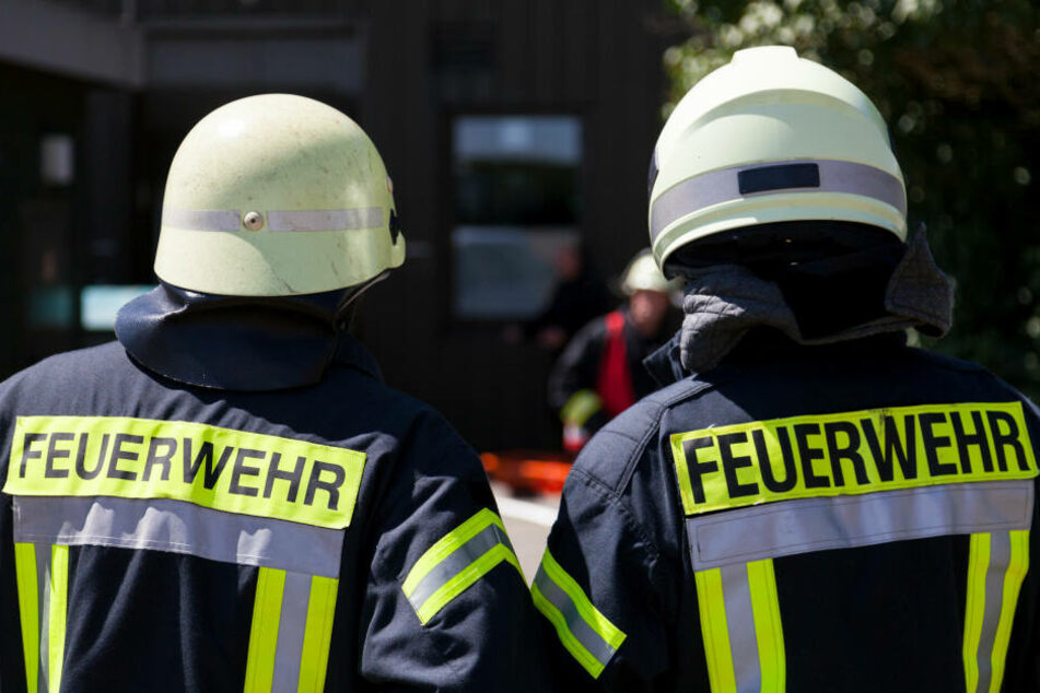 Ein Ex-Feuerwehrmann aus Düsseldorf legte absichtlich Ölspuren und rief dann die Kollegen. (Symbolbild)