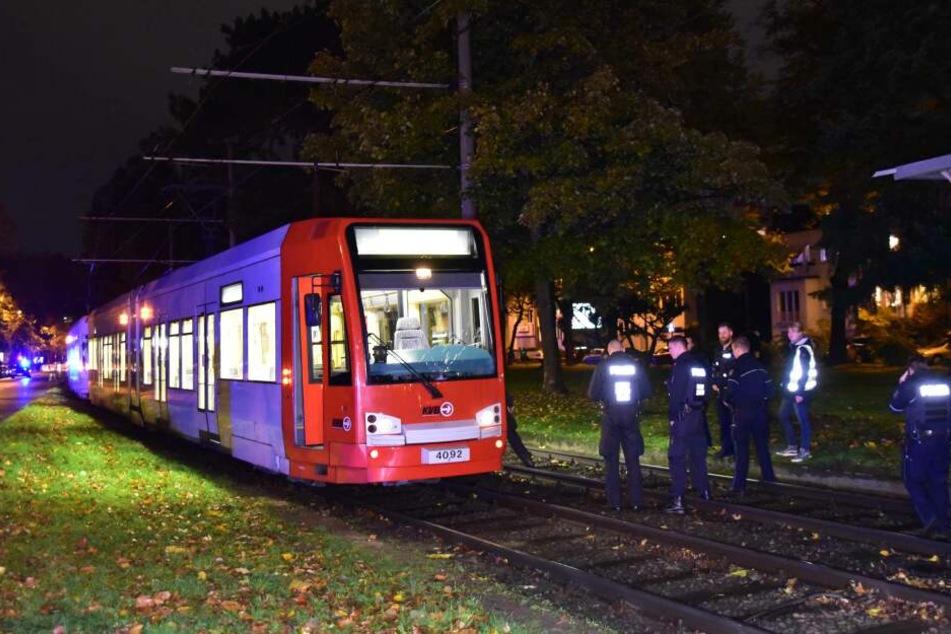 34-Jährige wird von KVB-Bahn erfasst