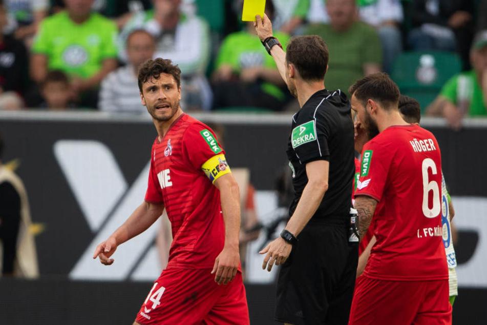 Jonas Hector (28) und drei weiteren Spielern des 1. FC Köln droht nach der nächsten Gelben Karte eine Sperre.