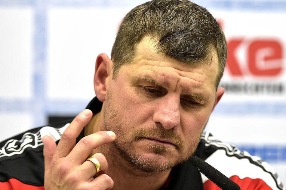 Steffen Baumgart hat die Pläne für das Duell gegen Carl Zeiss Jena im Kopf.