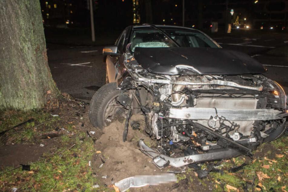 Spritztour mit Papis Mercedes-AMG endet in schwerem Unfall