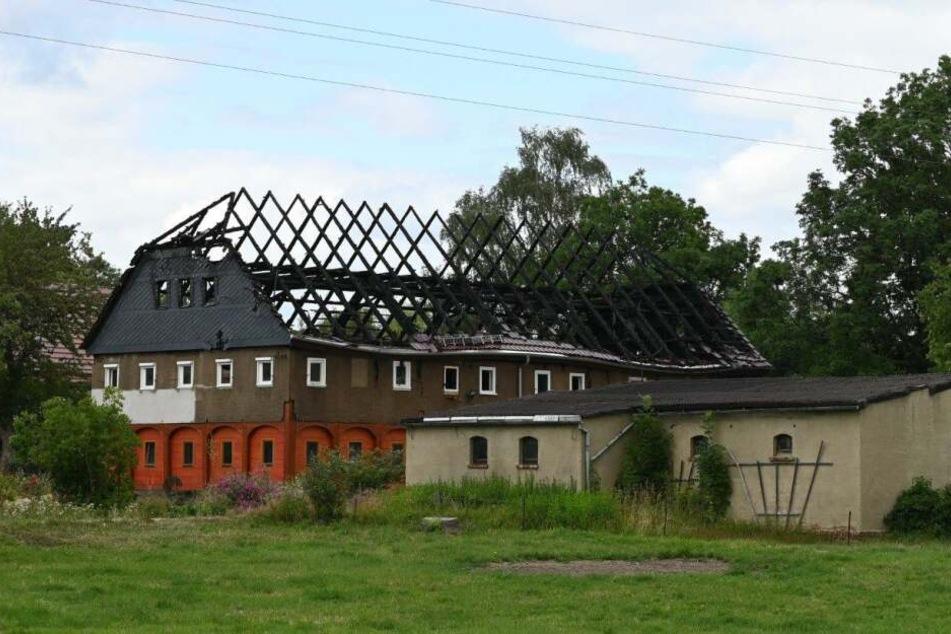 Das historische Gebäude brannte fast vollständig ab.
