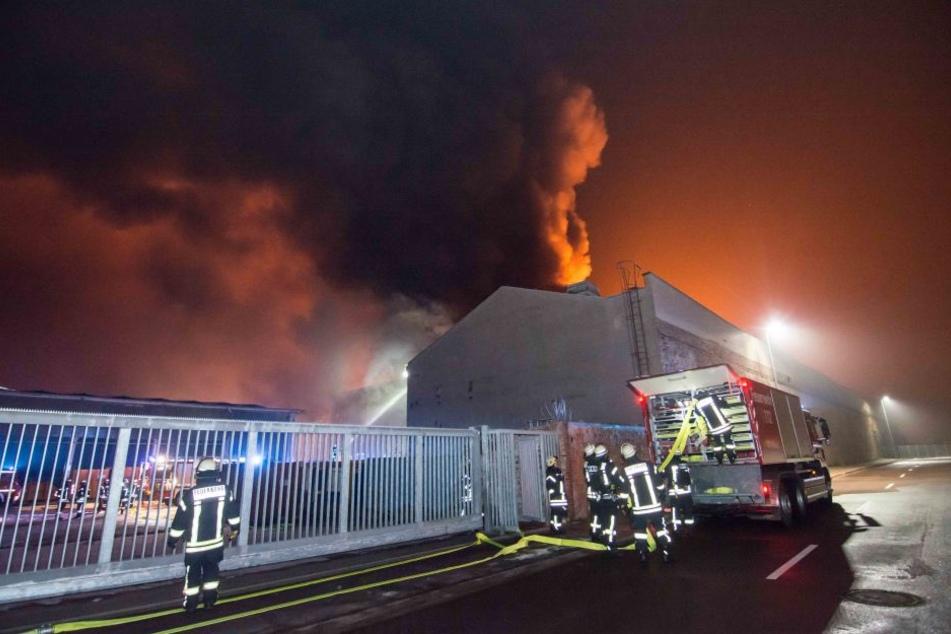 Im Magdeburger Stadtteil Buckau ist es zu einem Großbrand gekommen.