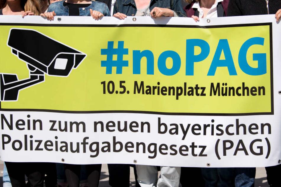 Die Einführung des PAG wurde von Demonstrationen begleitet.