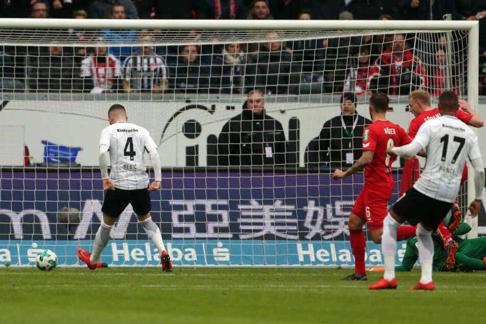 Knipser: Ante Rebic besorgt die frühe Führung für Frankfurt.
