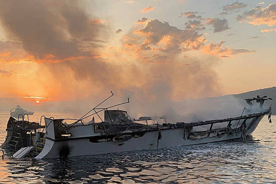 Neununddreißig Menschen waren an Bord als das Feuer ausbrach, nur fünf Besatzungsmitglieder überlebten.