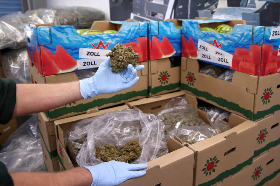 Schmuggler-Ring zerlegt, Chef in Köln gepackt: 200 Kilo Drogen in Obstkisten versteckt!