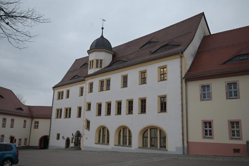 Im Rathaus von Limbach-Oberfrohna wächst der Unmut über die aktuelle Corona-Lage.