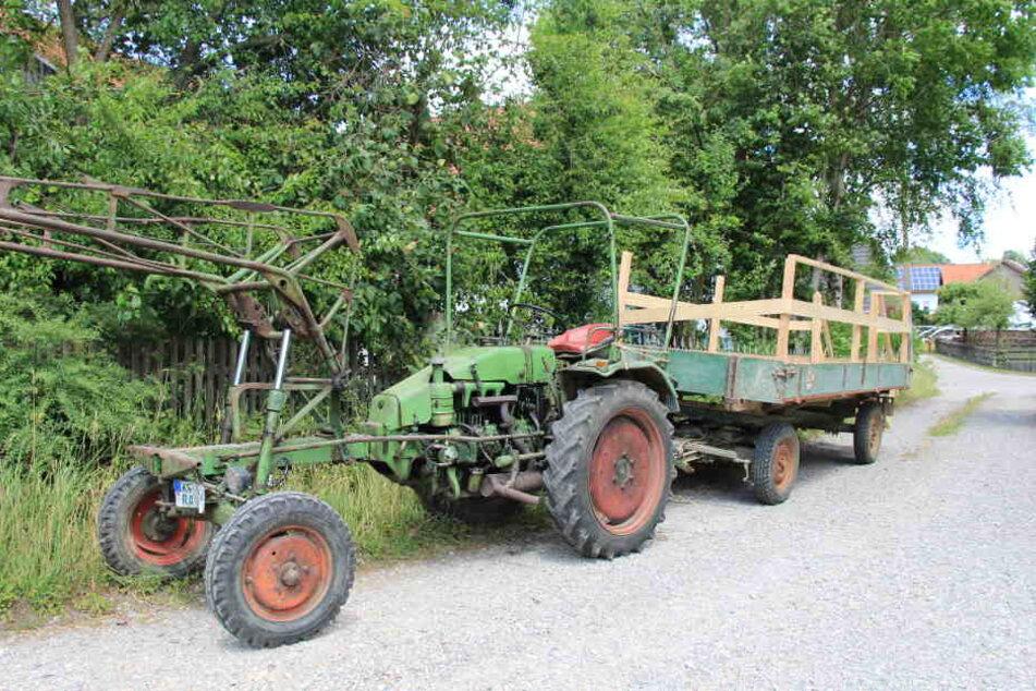 18 Verletzte, weil Traktor mit Hochzeitsgästen umkippt