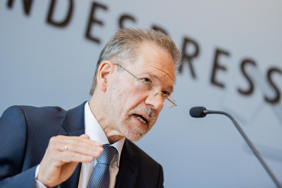 Burkhard Freier (65), Chef des NRW-Verfassungsschutzes, warnt vor terrorbereiten jungen Menschen aus dem Kaukasus.