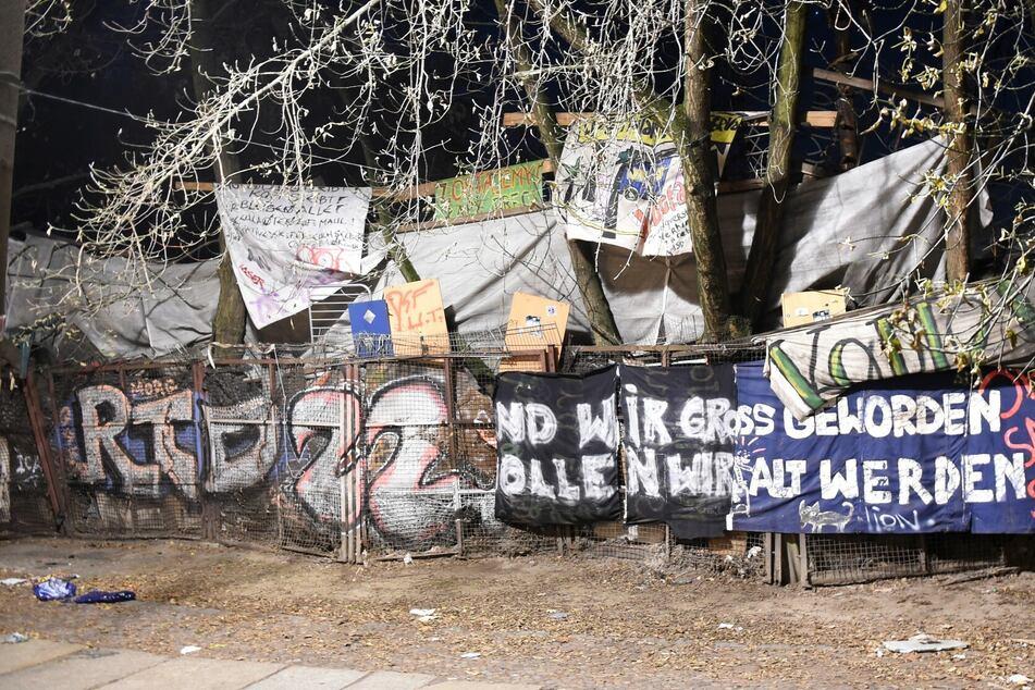 """Berlin: 2400 Menschen demonstrieren für Erhalt von """"Køpi 137"""""""