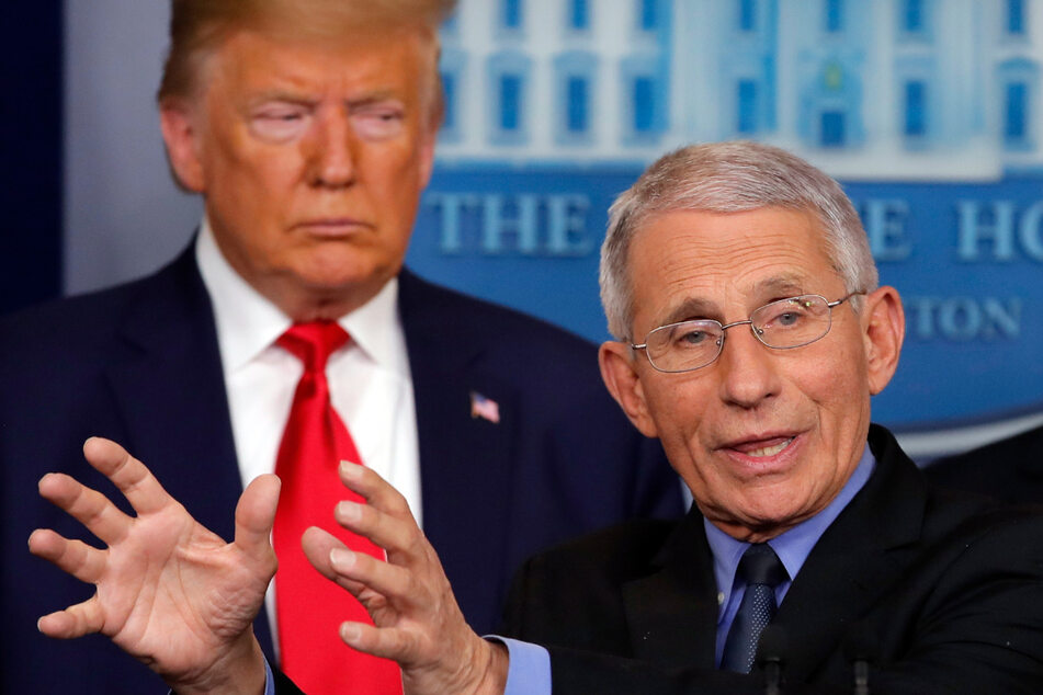 US-Präsdent Donald Trump (74, l) und Anthony Fauci (79), Direktor des Nationalen Instituts für Infektionskrankheiten in den USA.