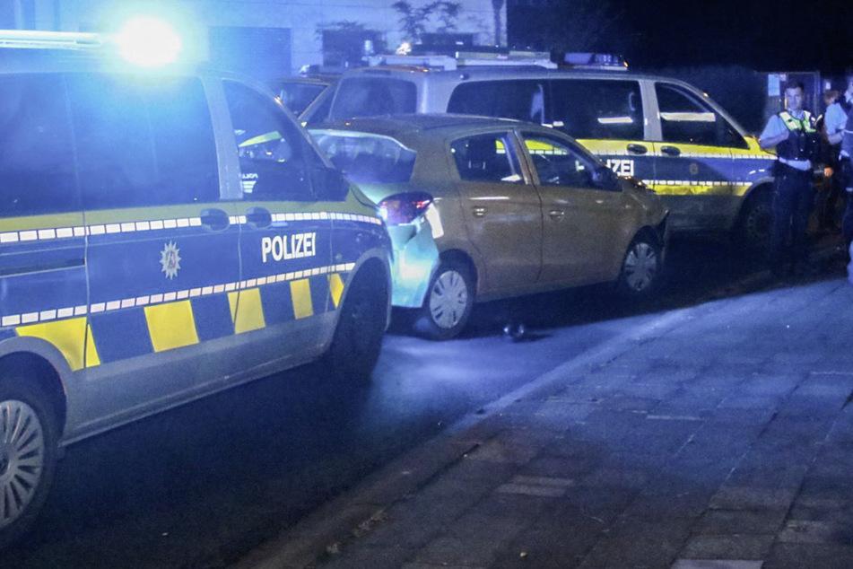 Köln: Rowdy-Fahrt durch Köln: 51-Jähriger rammt mehrere Autos und flüchtet vor der Polizei