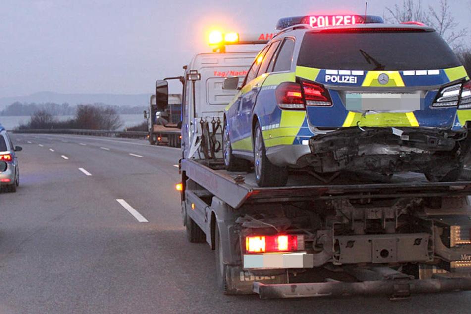 Die Frau rammte drei Streifenwagen bei Pegnitz, flüchtete und konnte erst später von der Polizei gestoppt werden.