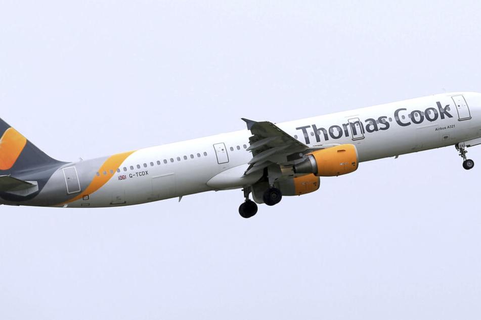 Ein Flugzeug des britischen Touristikkonzerns Thomas Cook. Die Bemühungen um die Rettung sind gescheitert.