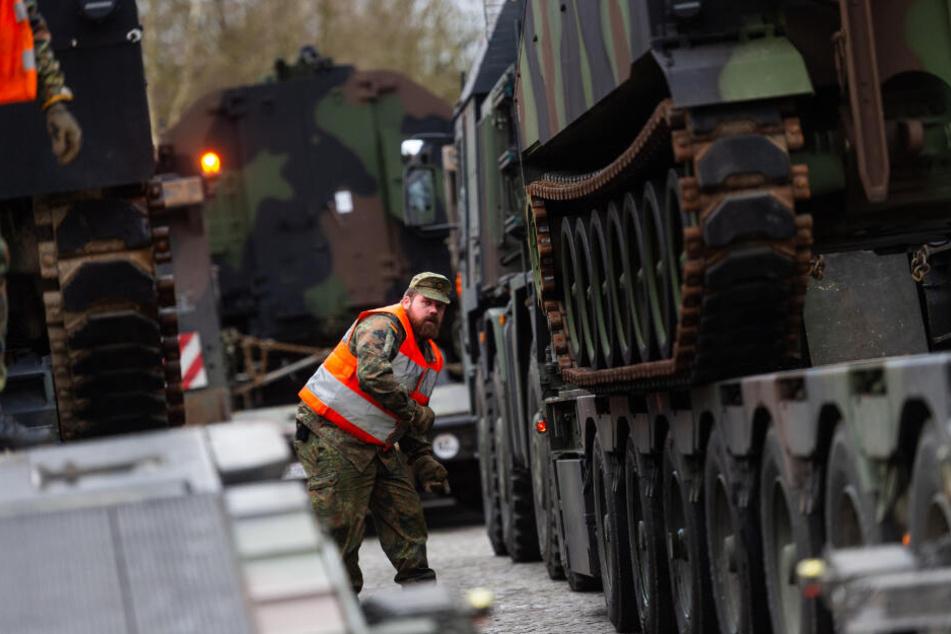 """""""Defender Europe 20"""" nimmt Fahrt auf: US-Armee verlädt Panzer in deutschem Hafen"""