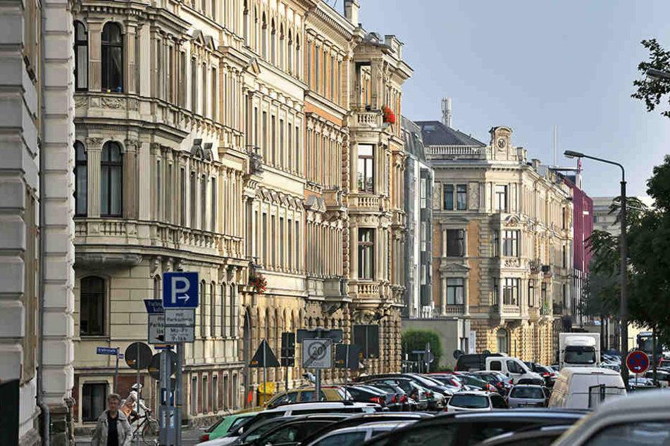 5000 weitere Wohnungen will sich die LWB bis 2026 zu eigen machen. (im Bild: Die Stephanstraße in Leipzig)
