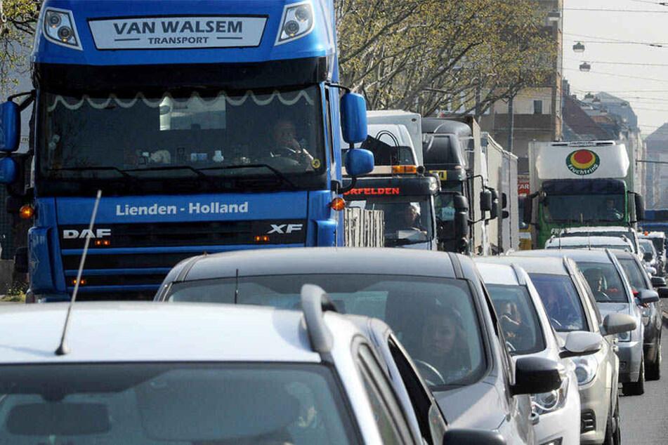Kampf gegen Luftverschmutzung: Linke nimmt Lastwagen ins Visier
