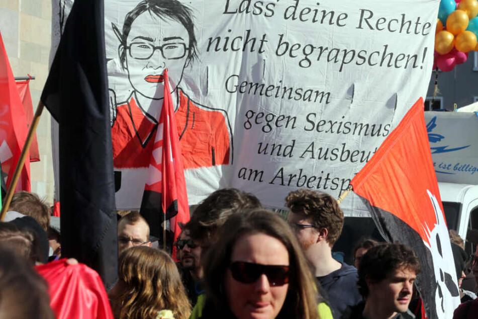 Leipziger Frauen protestieren zum internationalen Frauentag