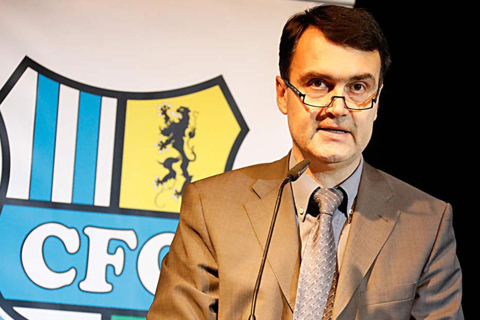 CFC-Präsident Mathias Hänel musste bei der Mitgliederversammlung eingestehen, dass der Verein gefährdet ist. Er hofft auf die Hilfe der Stadt.