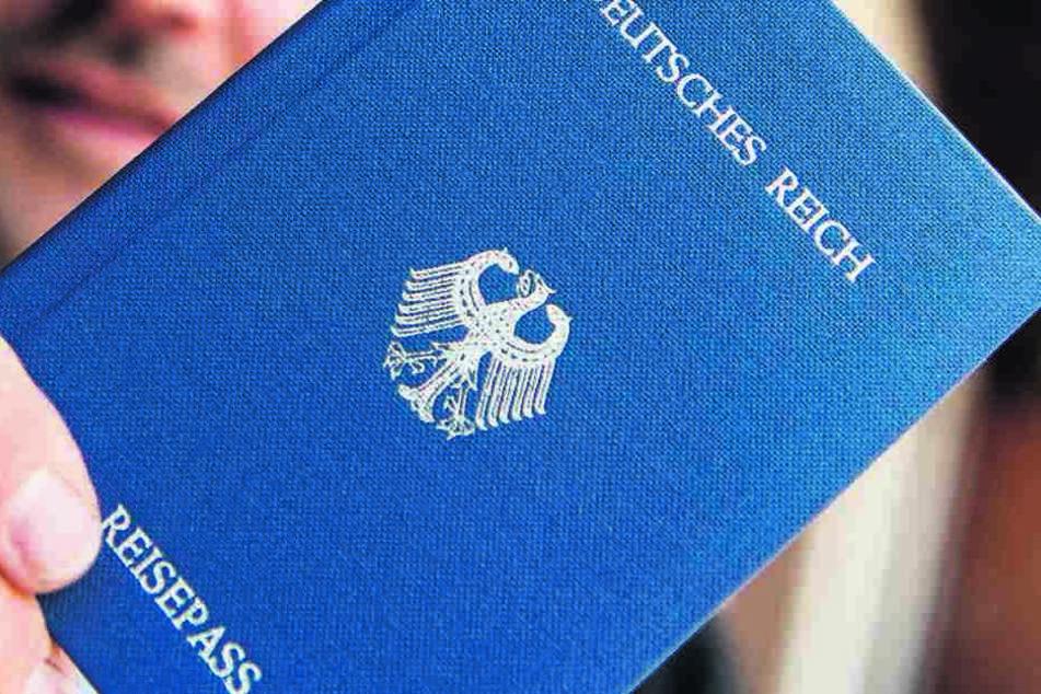 Reichsbürger erkennen die BRD und ihre Institutionen nicht an. Behördenmitarbeitern machen sie oft das Leben schwer.