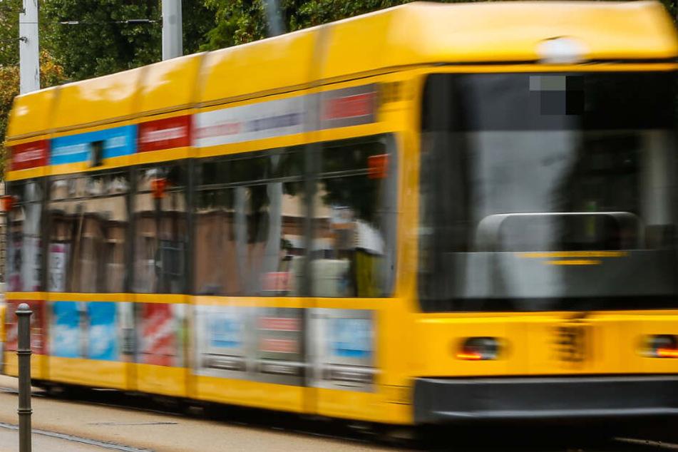 In einer Tram, die in Richtung Gorbitz fuhr, wurde das Paar zum Opfer eines Diebstahls. (Archivbild).