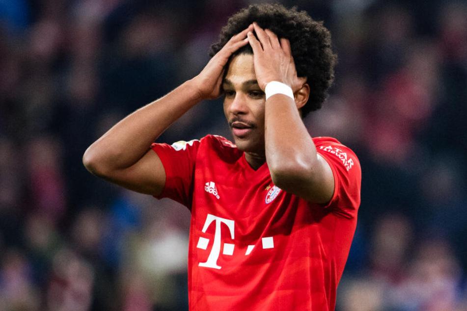 Bayern-Star Serge Gnabry raufte sich nach der 1:2-Heimpleite gegen Bayer 04 Leverkusen die Haare.