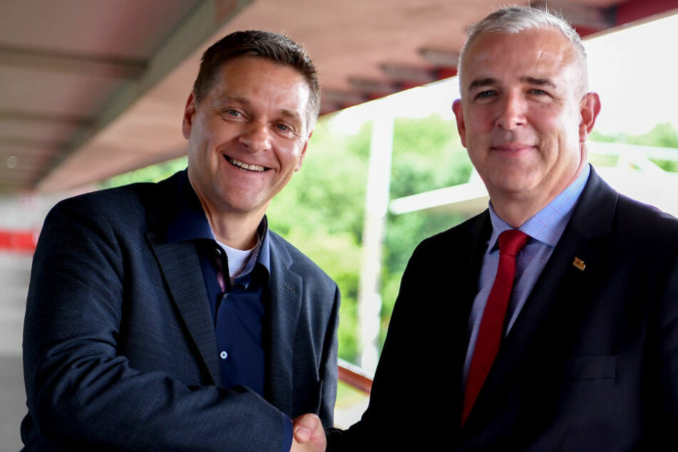 Oliver Ruhnert wird von Union-Präsident Dirk Zingler als neuer Sportchef vorgestellt.