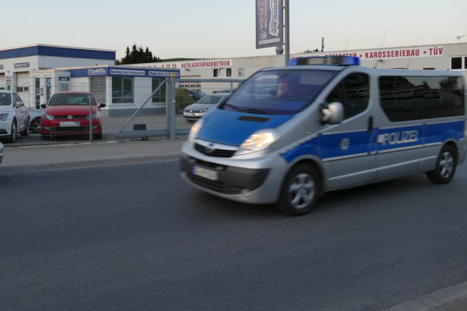 Polizisten aus Niedersachsen und Thüringen waren an der Razzia beteiligt.