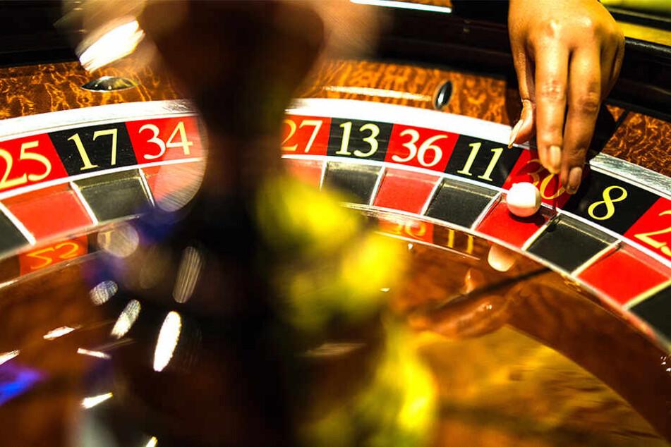 Wer genug von Intimität hat, kann sich am Casinotisch austoben.