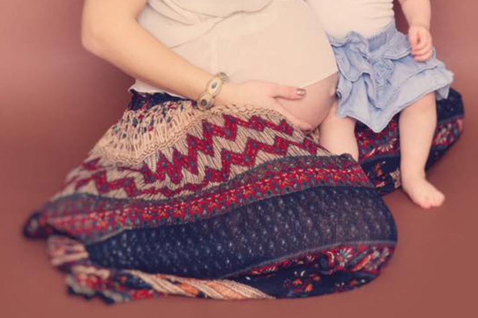 Wem gehört denn dieser süße Babybauch?