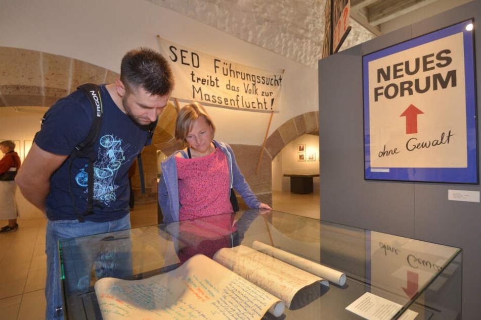 """300 Bilder, Plakate und Dokumente zeigt das Schloßbergmuseum zur """"Wendezeit""""."""