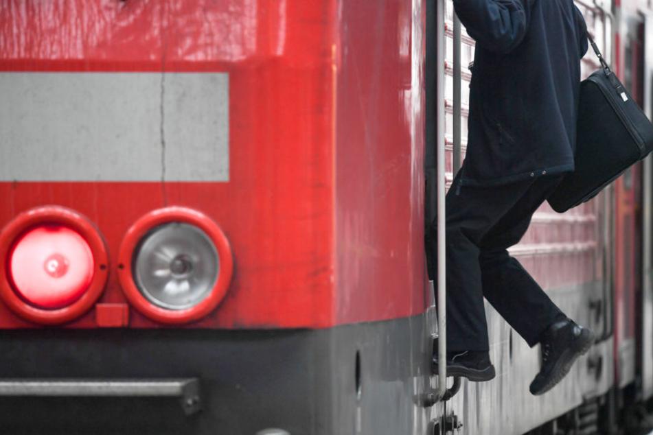 Mittelmäßig bezahlt und ziemlich einsam: Der Beruf des Lokführers.