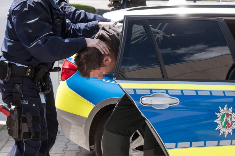 Der 23-Jährige wurde im Anschluss von der Polizei festgenommen. (Symbolbild)