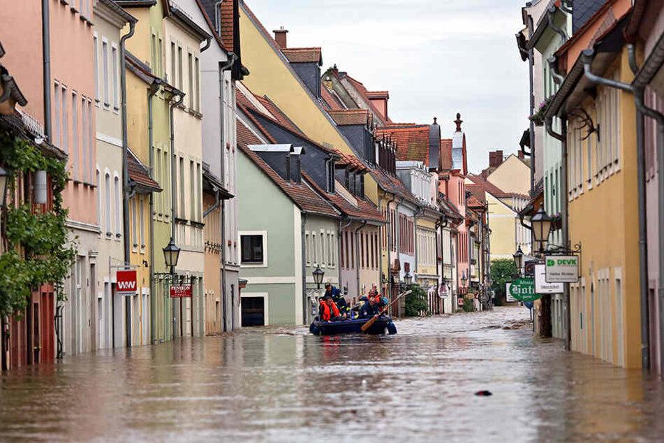 Grimma ist immer wieder von Überflutungen betroffen. Auch das Sportzentrum stand häufig unter Wasser. Jetzt kommt ein hochwassersicherer Neubau. (Symbolbild)