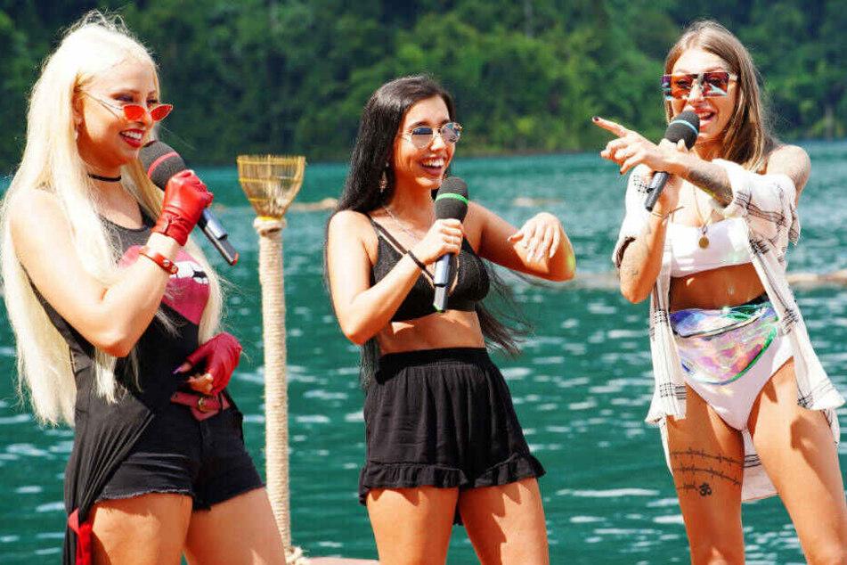 "Jessica Baykina, Jessica Martins Reis und Antonia ""Toni"" Komljen (v.l.) performen den Song ""One Kiss"" von Calvin Harris & Dua Lipa."